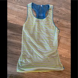 Brooks Reversible Running Tank Size Medium